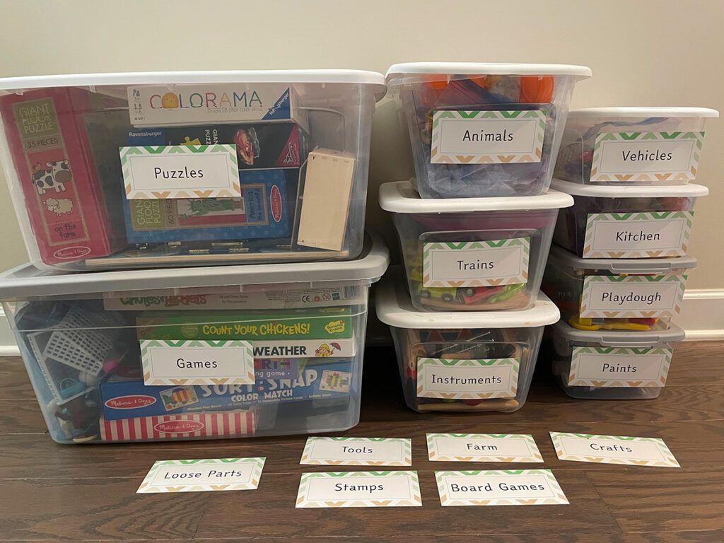 juguetes montessori, etiquetas, organización, almacenamiento