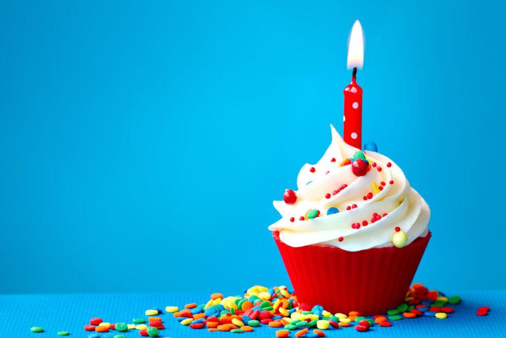 imagen de vela en cupcake.