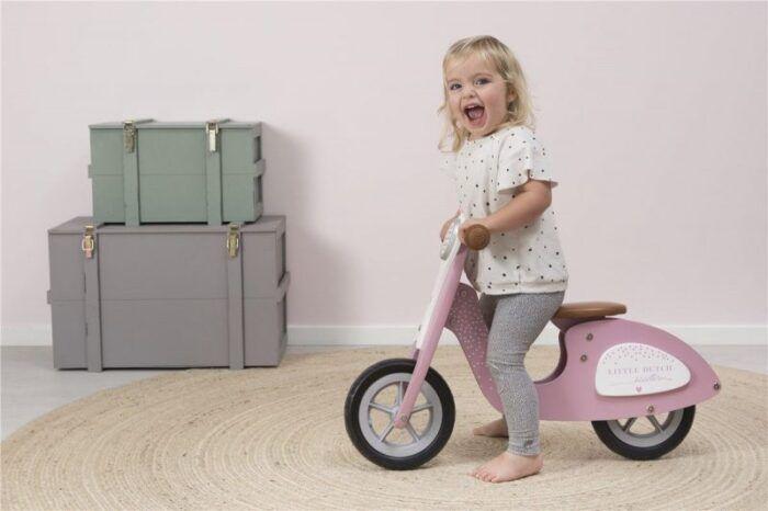 Scooter madera rosa 2