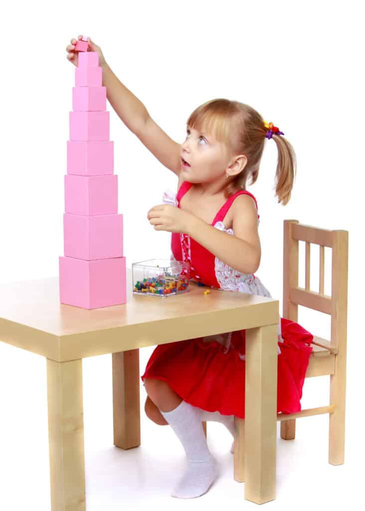 ¿Es un apilador de arcoíris de madera Montessori? 3