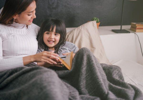 Lectura Montessori - Cómo los niños aprenden a leer en Montessori - La mamá con mentalidad Montessori
